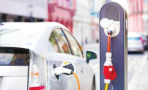 限行带热纯电新能源汽车 消费者称价格较高