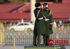 实拍武警天安门国旗护卫队最后一次护旗:历史一刻向战士们致敬告别