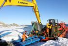 把挖掘机搬到南极