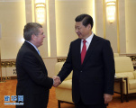 习近平会见国际奥委会主席巴赫 表示将坚持廉洁办奥运