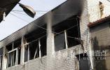 济南泺口南路一民工宿舍着火 所幸事发时屋内没人