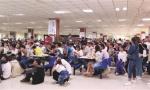 沈阳工业大学食堂设三块大屏幕直播世界杯获赞无数