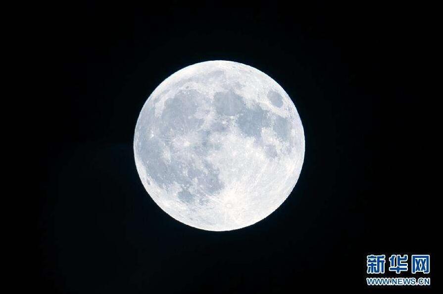 为什么每年农历八月十五的月亮最亮最美?