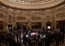 """外媒:老布什国丧在即 """"总统们""""集体互动成焦点"""