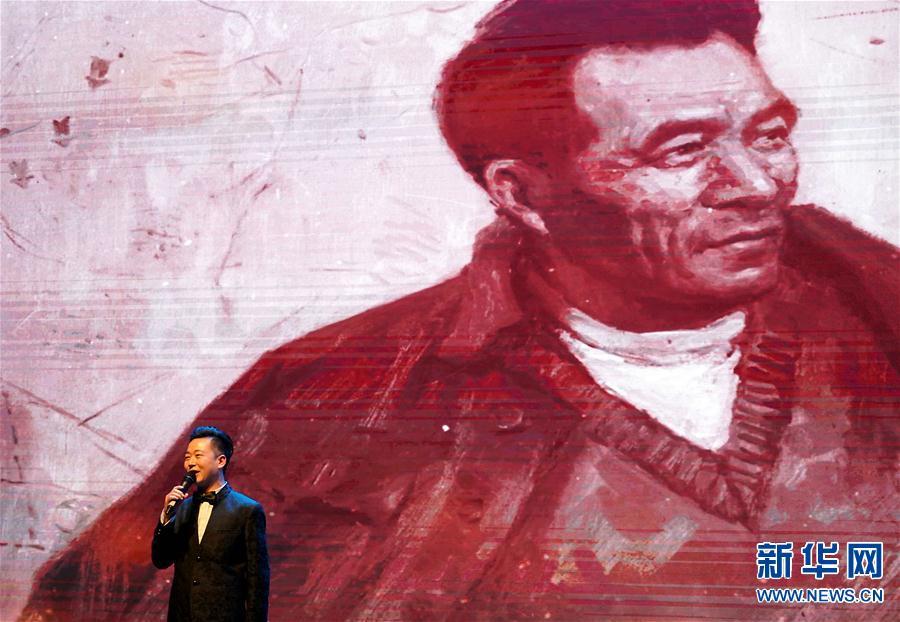 """(文化)(2)""""人民呼唤焦裕禄""""展览在河南博物院开幕"""