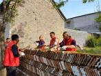 河南叶县:红装志愿服务突击队扮靓乡村