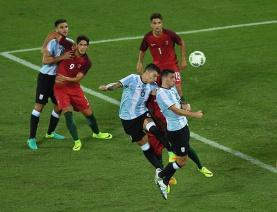 葡萄牙2-0力克阿根廷 门将再现黄油手