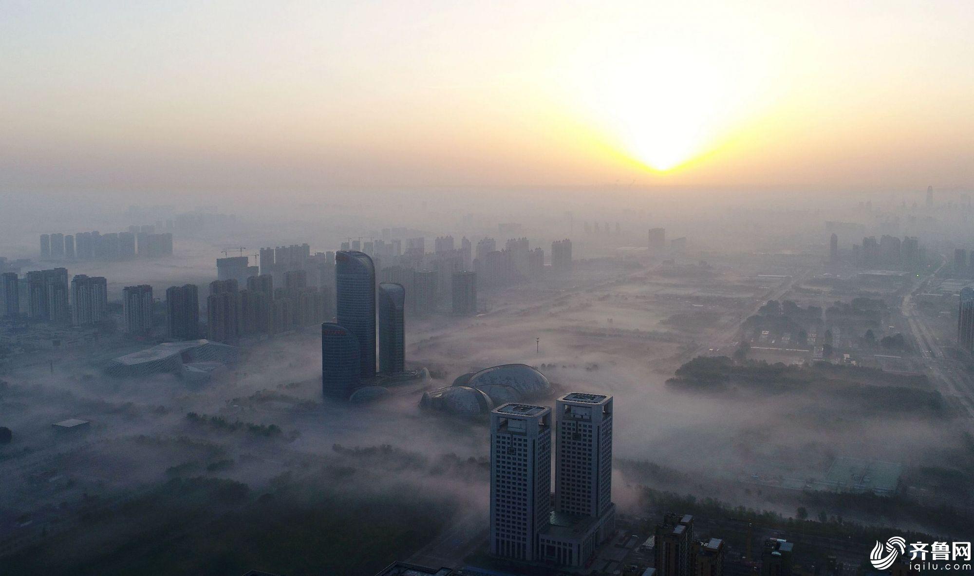 300米高空俯瞰济南雾海奇观犹如仙境