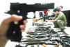 媒体暗访:仿真枪交易隐秘猖獗 为躲惩罚拆件卖