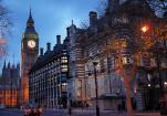 伦敦:举办戴安娜时装展讲述王妃时尚故事