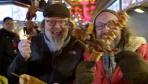 BBC派了几个英国人来中国拍春节  看把他们乐成啥样了