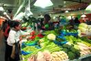 大雪过后江苏各地主干道通畅 菜市场货足价稳