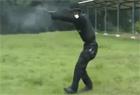 反恐部队射击花样百出