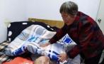 浙江遂昌失明老人收養20多名棄嬰,孱弱肩膀扛住生命的重量