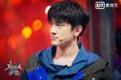 林更新被baby李晨嫌弃 孤军奔赴《机器人争霸》推塔战