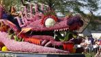 荷兰球茎花产区举行年度花车游行