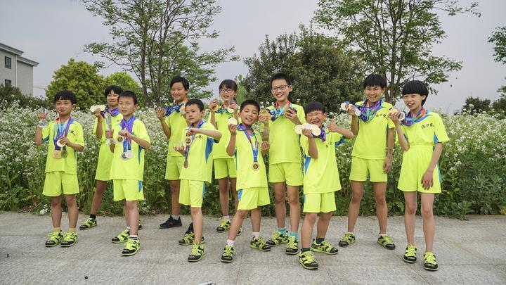 厉害!半秒五个花样动作 杭州这群小学生跳绳玩出新高度