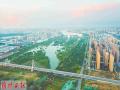 从空中俯瞰洛河湿地:只见绿树繁茂风光旖旎