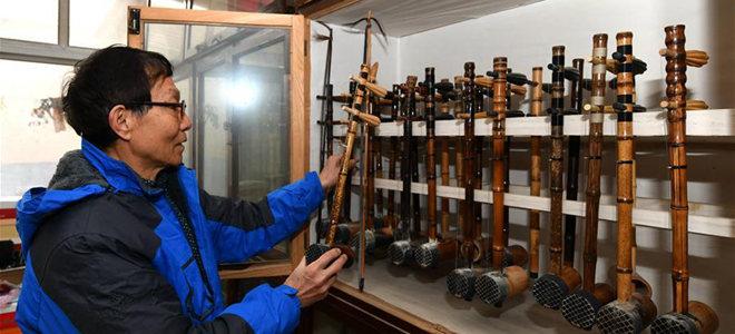 济南乐器制作老匠人让胡琴展新姿