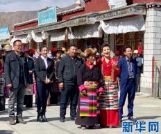百万农奴解放60周年!西藏民主改革第一村唱响《我和我的祖国》