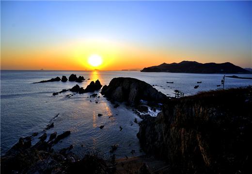 大连旅游景点推荐:礁石嵯峨 景色壮观——石槽村风景区