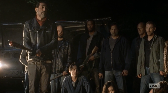 glenn/相当一部分观众认为弩哥应当对Glenn的死负责,打死了已经陪伴...