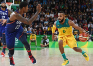 男篮小组赛美国vs澳大利亚