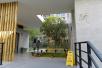 上海首座无性别公厕开放试运行,位于未建成绿地内用户稀少