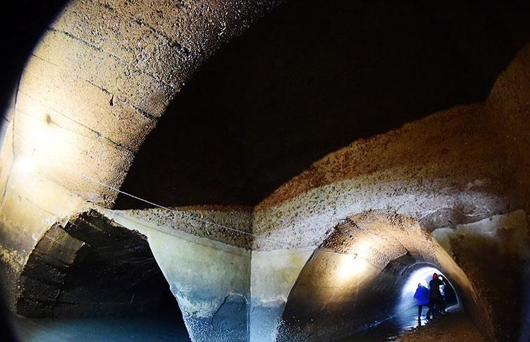 探秘青岛德建下水道 仅存5条墙壁完好
