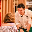 《中餐厅》登顶综艺榜首