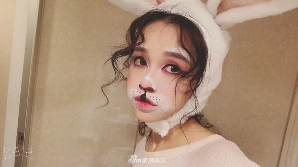 黄一琳扮兔女郎超萌