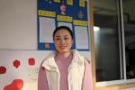 安吉美女老师每天早晨坚持爱的拥抱,全班再没一个学生迟到