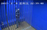 丹东一男子毒驾被抓 派出所内自嗨尬舞