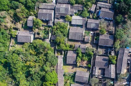 火山岩搭起的古村