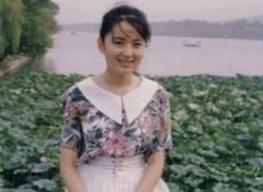 中国八十年代街头的女青年:这里也许有你母亲的青春