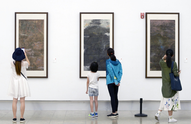 张华锋艺术作品巡展首展在杭州开幕