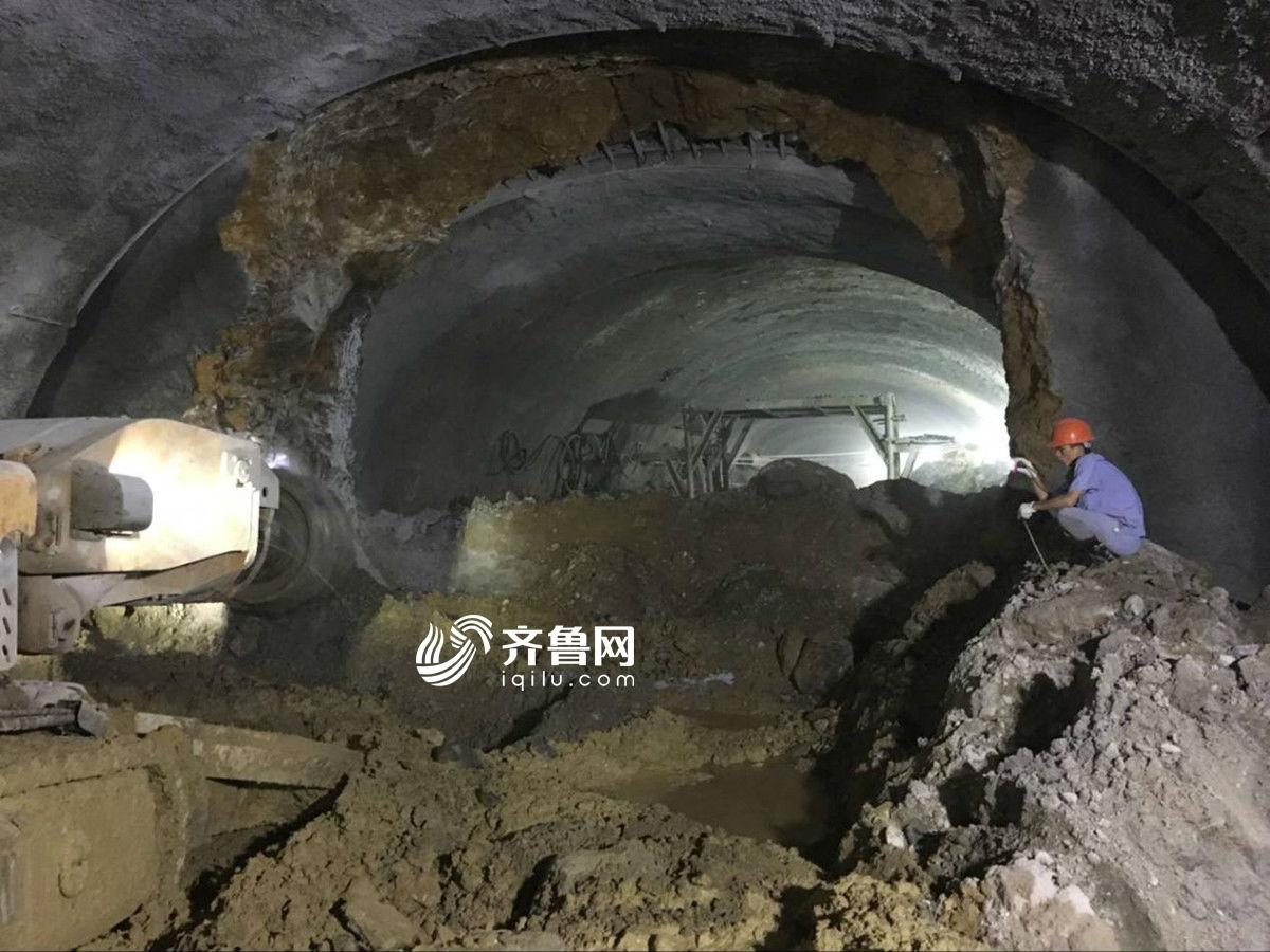 济南顺河高架南延地道工程六里山至出版社两井间左线贯通
