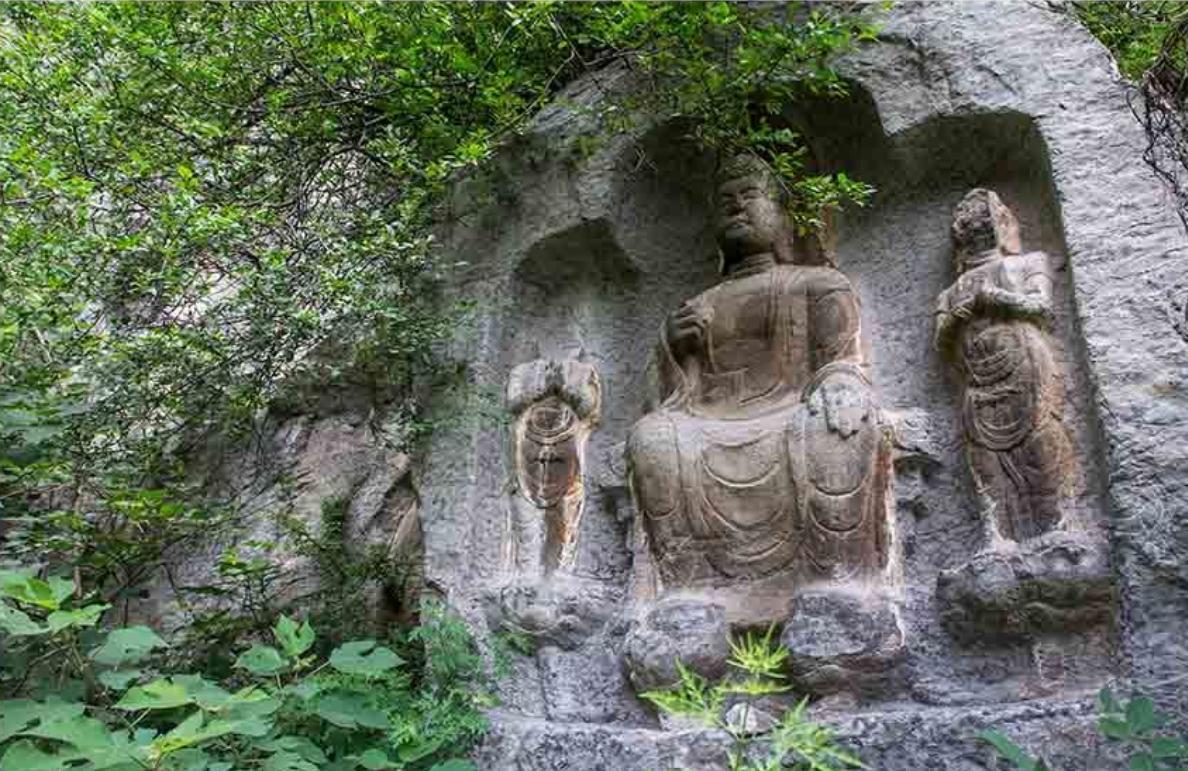 沁阳市紫陵镇太行山上有座太平寺,始建于南北朝时期北魏。这里峰峦叠嶂,悬崖耸立,奇秀无比,自古为佛道两教建寺立观的风水宝地。