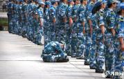 威海:新生军训半天10多名学生掉队