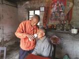 泰兴古稀老人照顾智障堂弟53年
