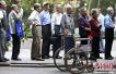 人社部:计划明年实行基本养老保险基金中央调剂制度