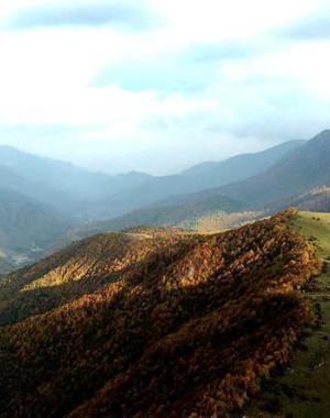 航拍甘肃定西分水岭 最美秋色在路上