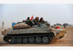 """""""伊斯兰国""""在叙利亚东部城市与政府军激战"""