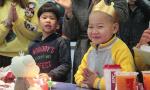 6岁送快递娃过生日