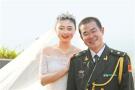 新郎婚礼前夕远赴西非 新娘携带婚纱跨越万里完婚