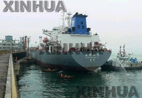"""船货远道而来 却成""""海漂""""塞港 茶壶炼厂把握话语权"""