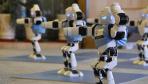 青海西宁:商场促销 推出机器人舞蹈