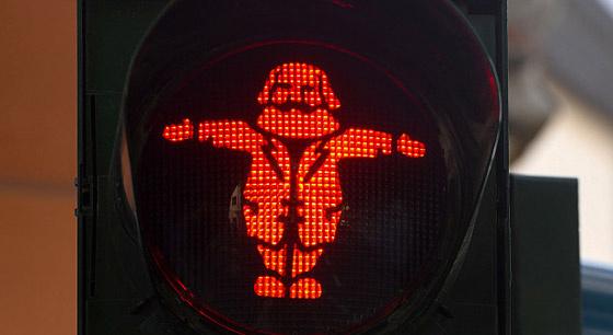 """德国街头现""""马克思""""红绿灯"""
