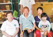 """洛阳""""好儿媳""""李香玲:带着公爹回娘家 一伺候就是24年"""