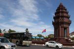 习近平同柬埔寨国王西哈莫尼就中柬建交60周年互致贺电